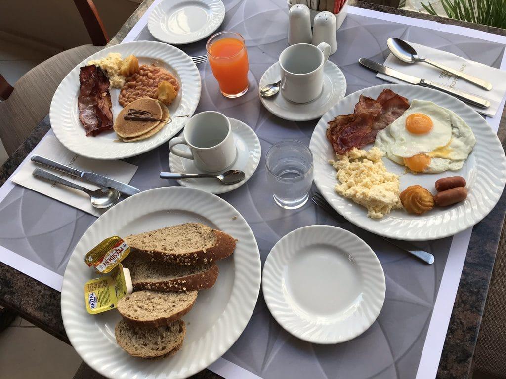 Frokost i Platanias