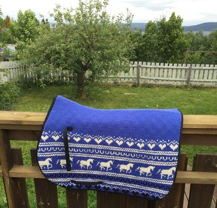 Mor strikket sjabrak