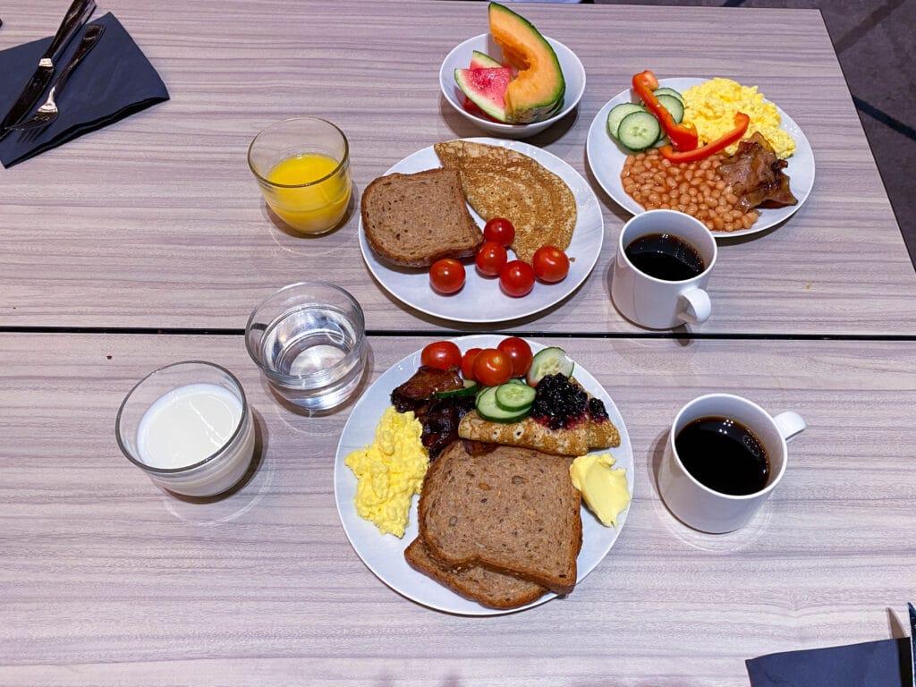 Frokost på The Hub