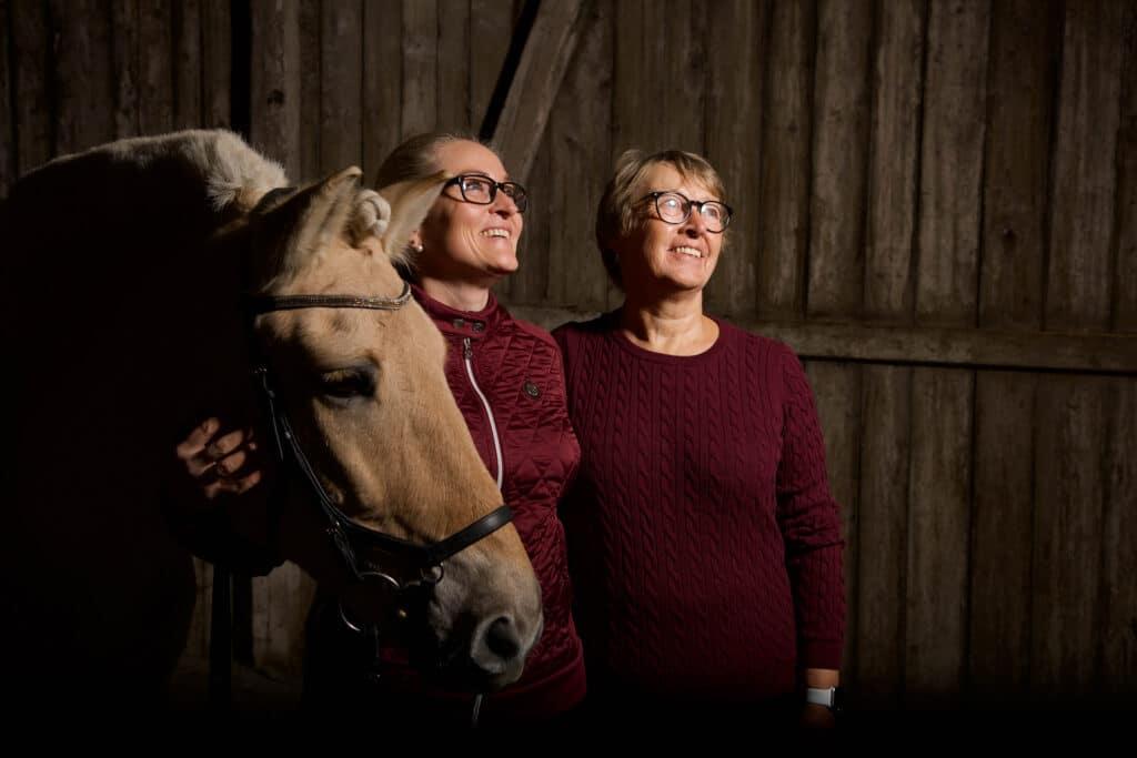 Fotoshoot med hest mor og datter